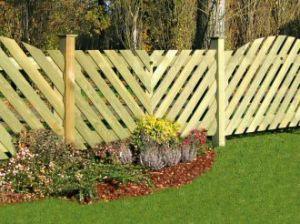 Zbudowane z boazerii wypuklej ,ogrodzenie Cleveland laczy urok i prostote stylu.