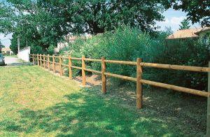 Urocze, w naturalnym otoczeniu, ogrodzenie Domaine