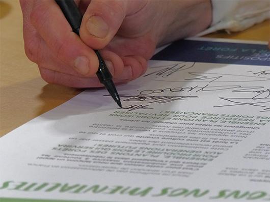 """l'occasion du Carrefour International du Bois, les organisateurs du salon ont publié et signé un """"grand appel à renouveler la forêt française"""""""